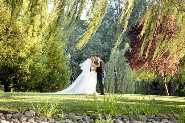 Elegant And Wedding At Black Swan Lake